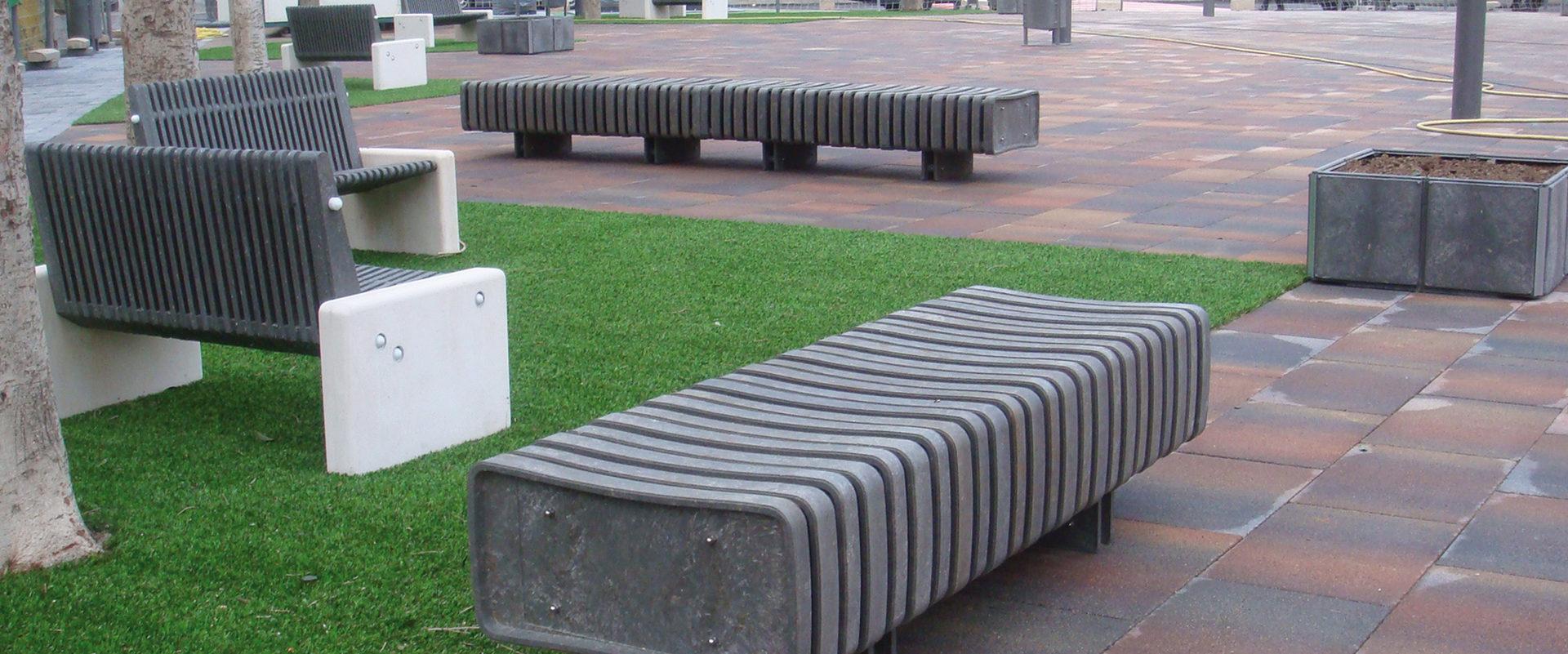 Arredo Urbano In Plastica Riciclata.Elementi In Plastica Riciclata